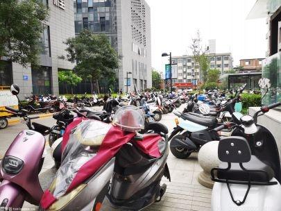 长沙交警截至8月30日组织电动自行车违法驾驶人学习考试108829人次